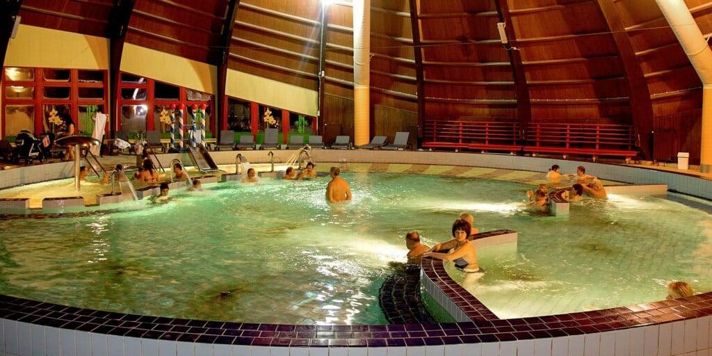 Agárd Spa and Thermal Bath - indoor pool (Photo: Velence Vivaldi Residence)